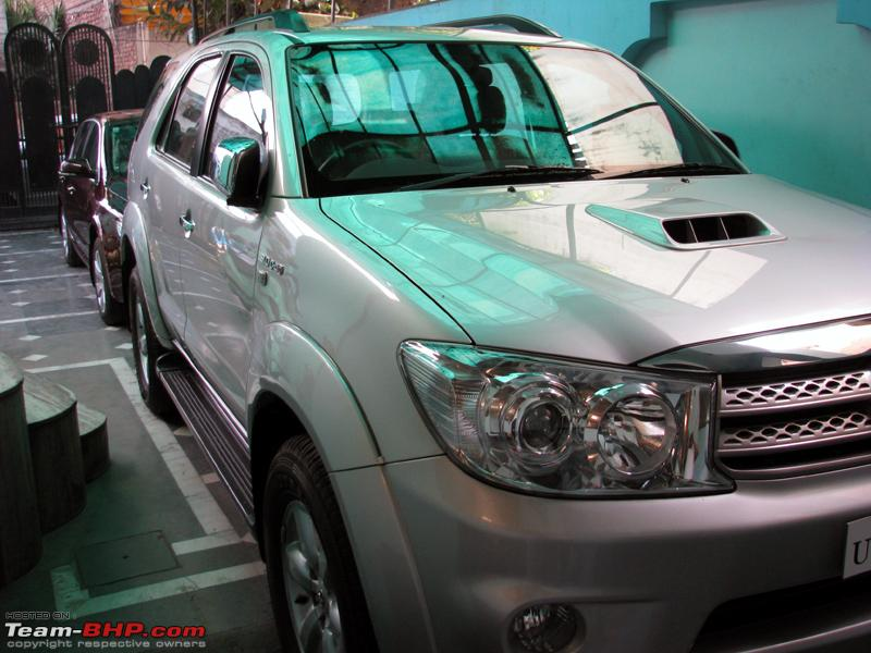 Name:  Superb and Fortuner1.JPG