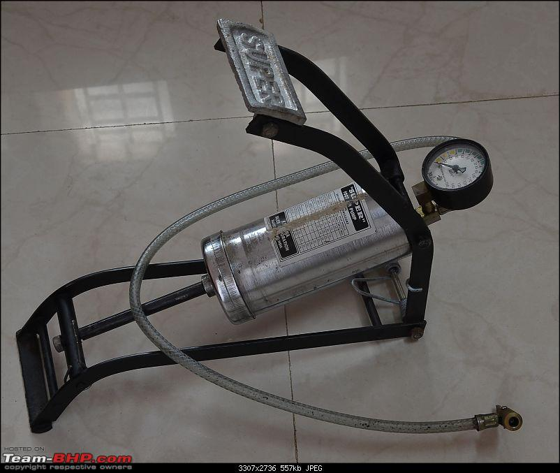 Tyre pressure gauge and portable inflator pump / foot pump-dsc_7693.jpg