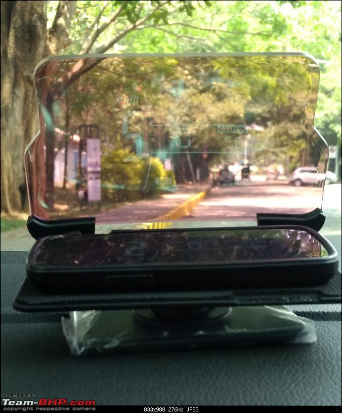 Hudway Glass Review - Turn your smartphone into a Head-Up Display-hudwayglass_dayonroaddisplay1.jpg