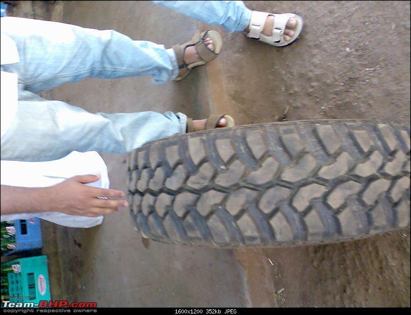 Extreme pimps on a Cj 500 , sports modification on a jeep-tyre-3.jpg