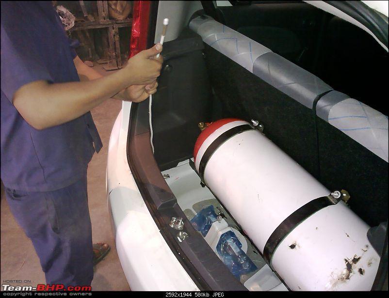 Maruti Suzuki Ritz  Petrol to CNG conversion-16062010190.jpg