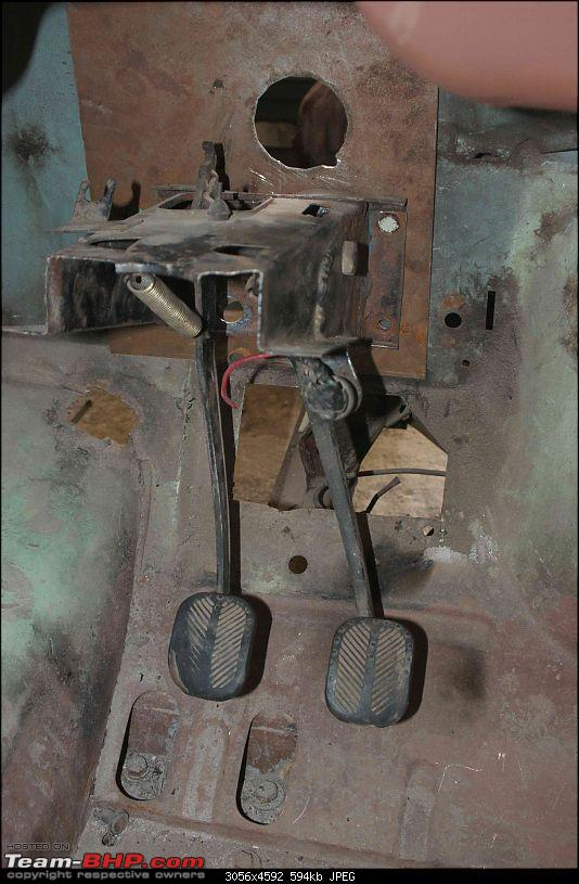 Resto-mordernizing my first love - my Dad's Premier Padmini 1989-hanging-pedals.jpg