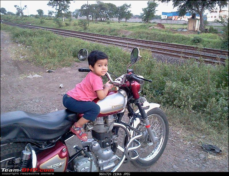 All T-BHP Royal Enfield Owners- Your Bike Pics here Please-dhruv_n_bullet.jpg