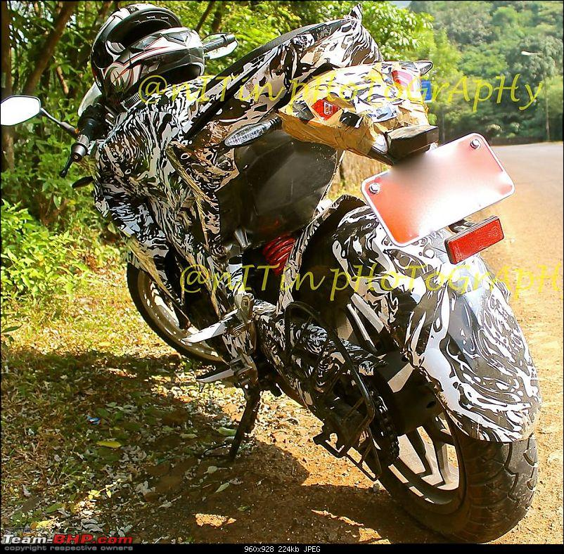 New faired-in Pulsar 200 in the works?-bajajpulsar200ssspiedrear.jpg