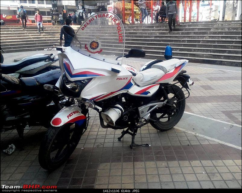 Delhi Traffic Police Pulsars modded in Goldwing style-1.jpg