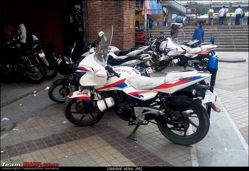 Delhi Traffic Police Pulsars modded in Goldwing style-2.jpg