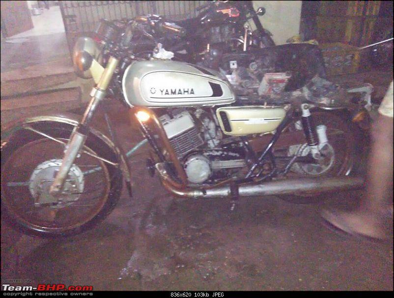 Got gifted a Yamaha RD350. EDIT: Restoration completed-2.jpg