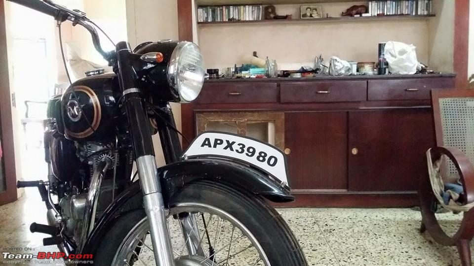 Got gifted a Yamaha RD350  EDIT: Restoration completed
