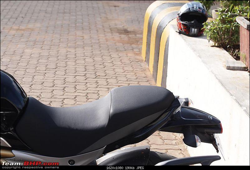 PIC : Mahindra's Mojo 300cc caught testing near Pune. EDIT: Now Launched-p8308458-large.jpg