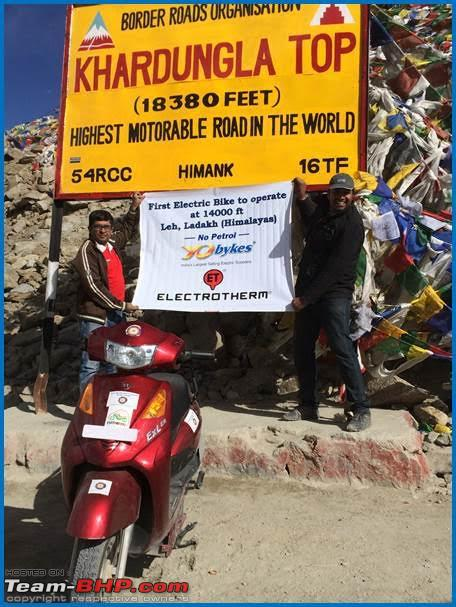 Name:  GHE and Team Electrotherm at Khardung La pass on Electric Bikes.jpg
