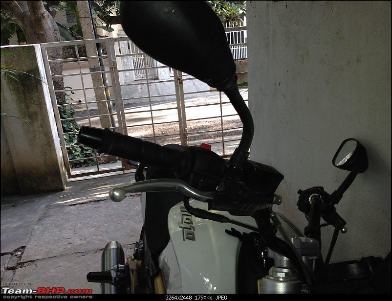 Review: My Mahindra Mojo!-levers.jpg