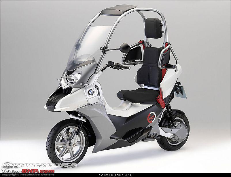 Two-wheeler umbrellas are the new rage-bmwc1escooter9.jpg