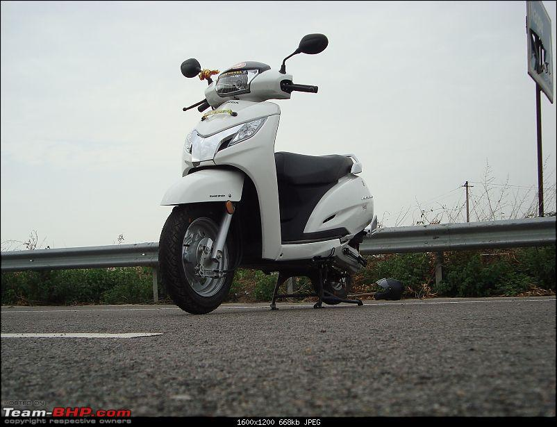 Review: Honda Activa 125 (Pearl Amazing White)-8.-front-3-quarters-ground.jpg