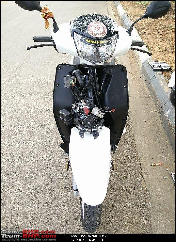 """Honda Activa: Engine idling & stalling issue caused by faulty """"O"""" ring fitment (carburetor)-5.-both-sides-aprons-opened.jpg"""