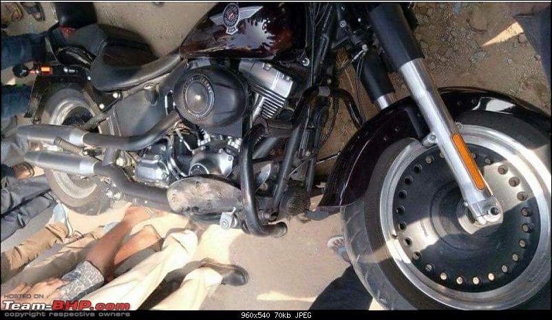 Bangalore: Bikers being thrashed by locals after an accident-fb_img_1515318924215.jpg