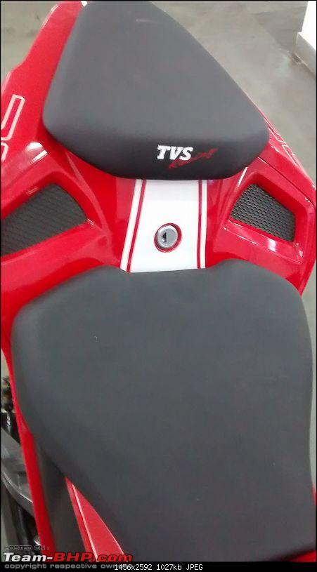 TVS Apache RR 310 launched at Rs. 2.05 lakh-split-seat-lock.jpg
