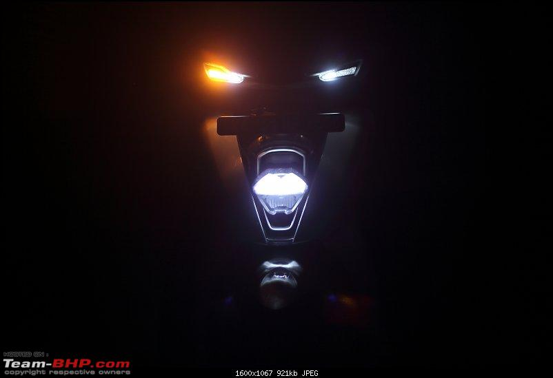 Ather 450 Electric Scooter - Detailed Review-nightview_lowbeam_1600.jpg