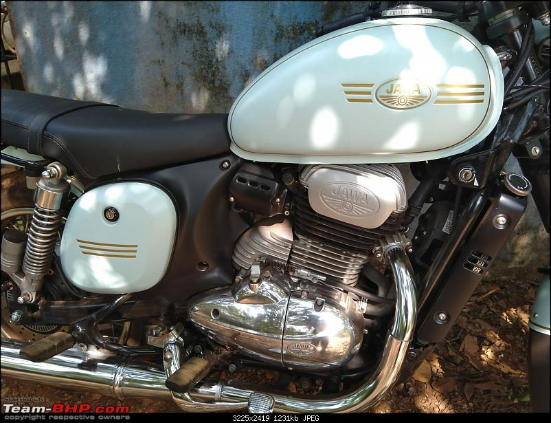 Our Jawa Forty Two Story-beautiful-engine-pannel-design.jpg