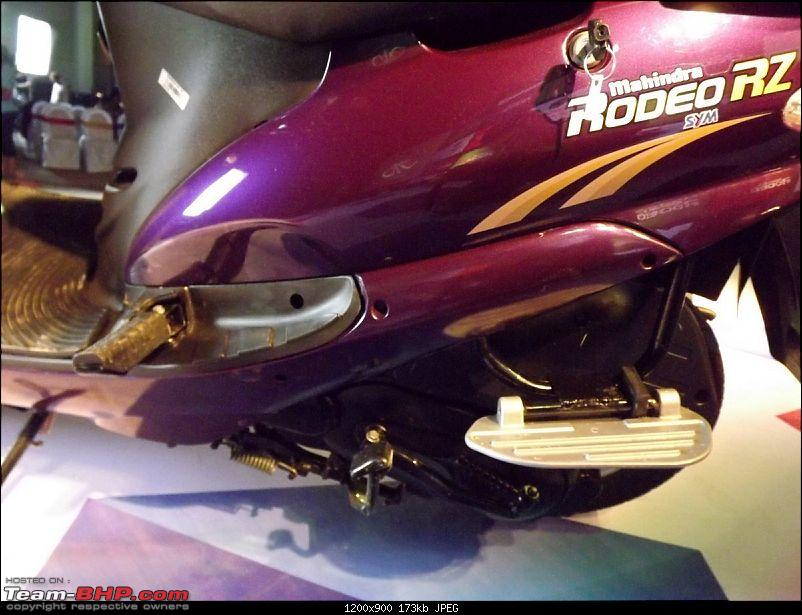 2012 Mahindra Rodeo RZ Unveiled - Ride Report & Pics-foot-rest-1.jpg