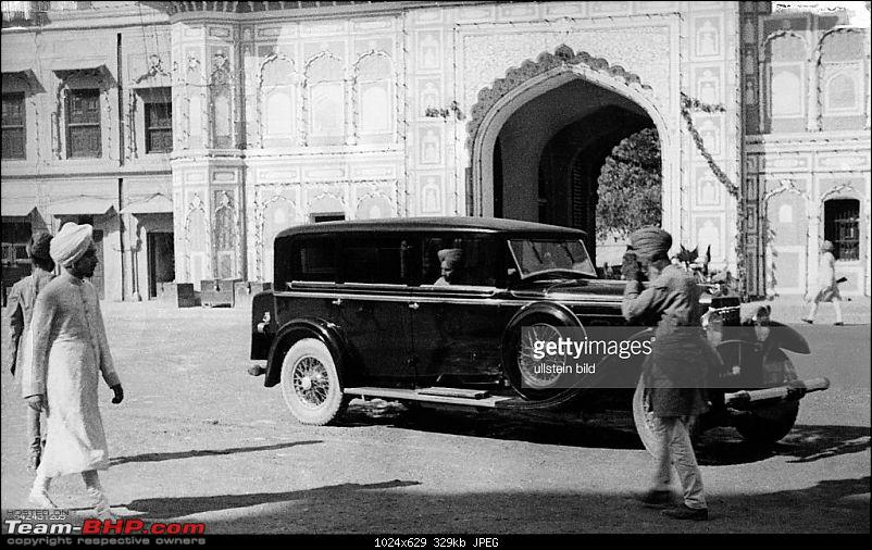 How rich were the Maharajas before Independence! Cars of the Maharajas-celebrations-court-.jpg