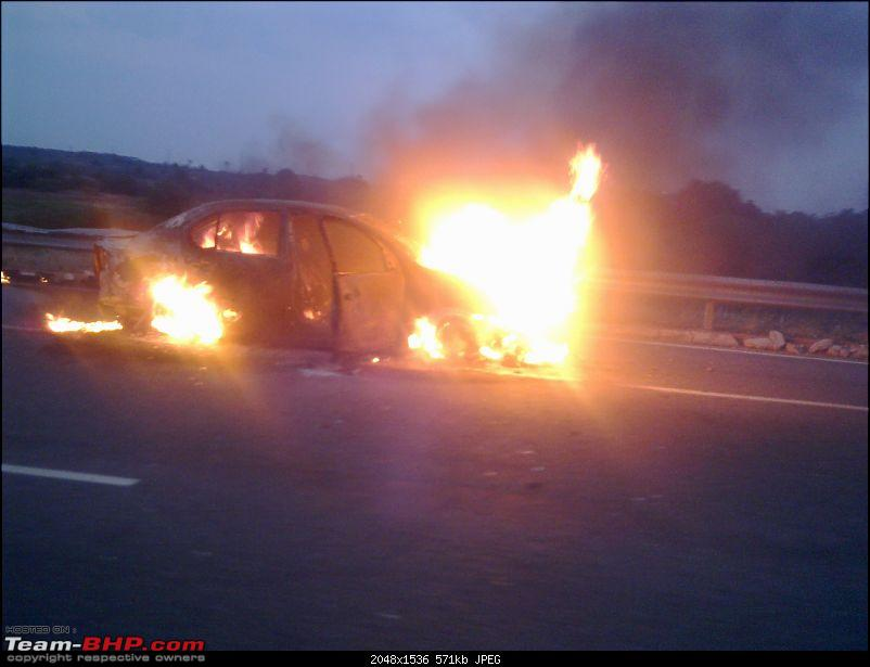 Accidents : Vehicles catching Fire in India-10032013442.jpg
