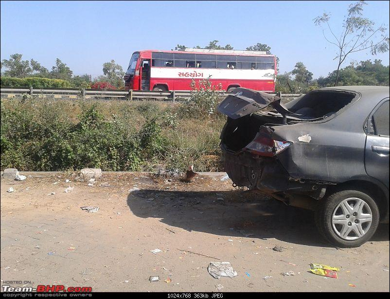 Pics: Accidents in India-20121126-13.23.10.jpg