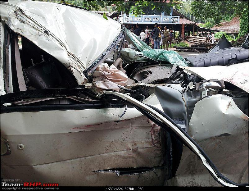 Pics: Accidents in India-xuv4.jpg