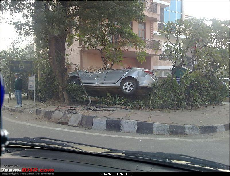 Pics: Accidents in India-25122011556.jpg