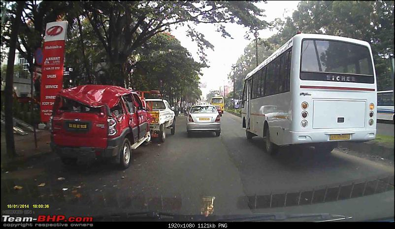 Pics: Accidents in India-vlcsnap2015110307h46m25s909.png