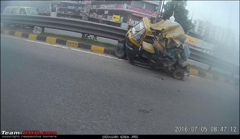 Pics: Accidents in India-vlcsnaperror420.jpg