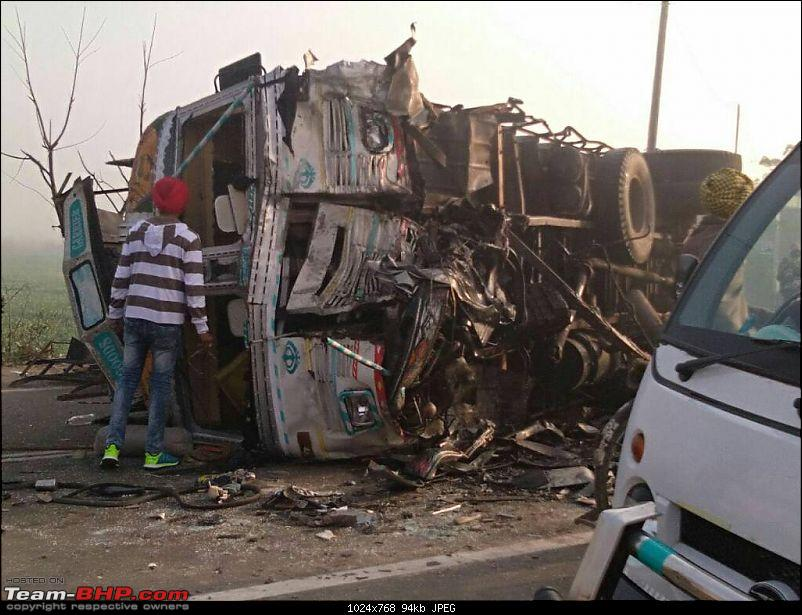 Pics: Accidents in India-1487063461527.jpg