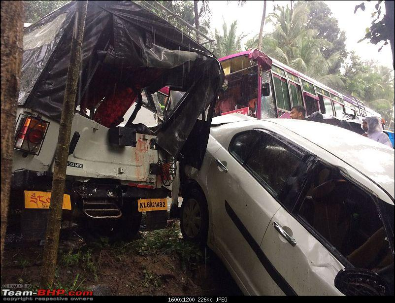 Pics: Accidents in India-a8372306878d4b7e9f351ccdacf37628-1.jpg