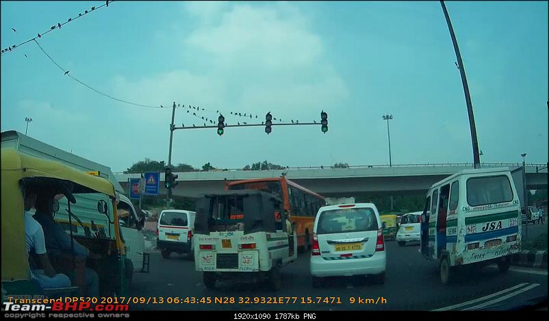 Supreme Court Committee on Road Safety and its actual implementation-vlcsnap2017091600h01m12s474.png