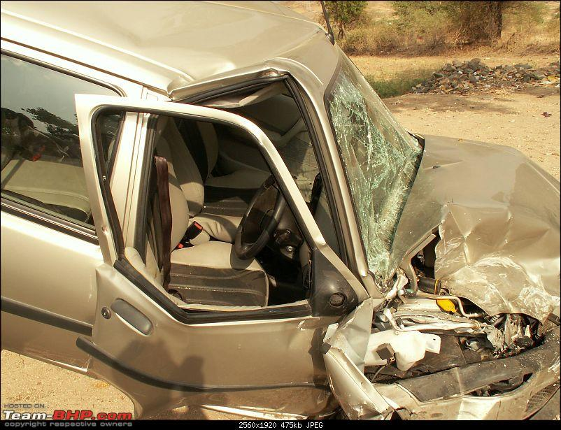 Pics: Accidents in India-car3.jpg