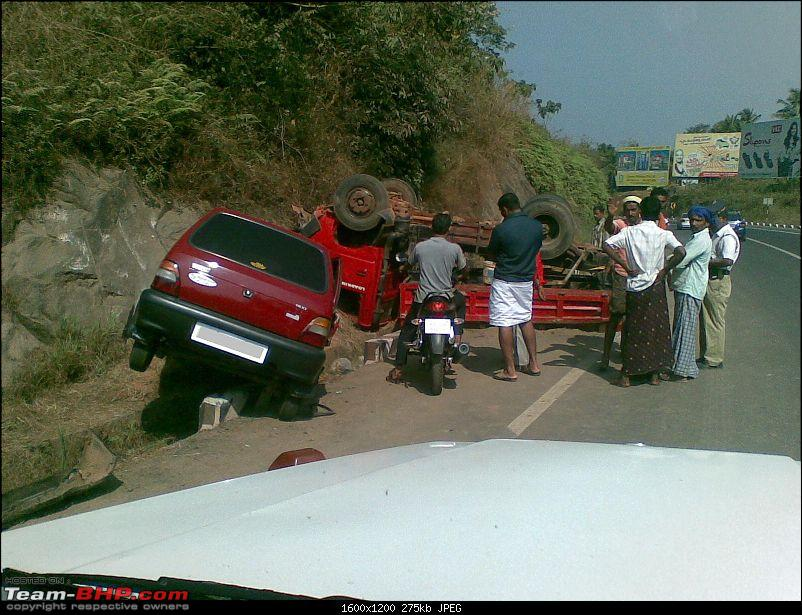 Pics: Accidents in India-14012009.jpg