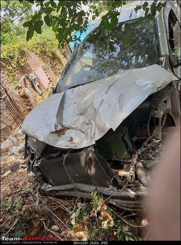 XUV500: Severe crash, but not a single airbag deployed (driver injured)-img20180718wa0029.jpg