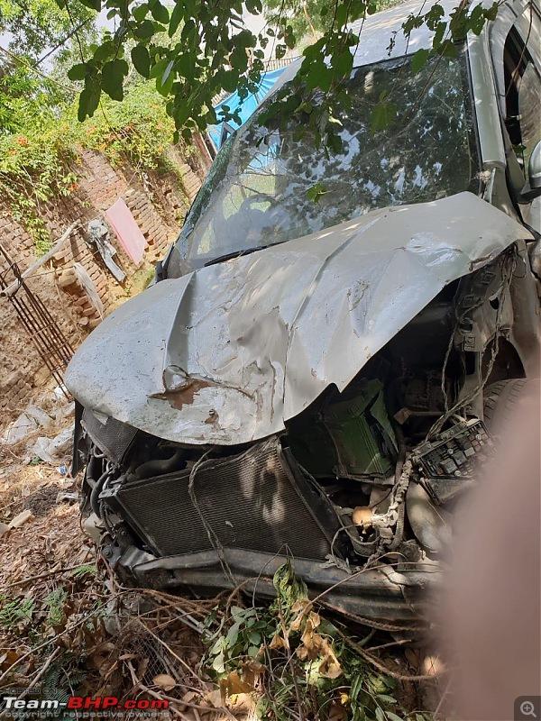 XUV500: Severe crash, but not a single airbag deployed (driver injured)-img20180718wa0029.jpg