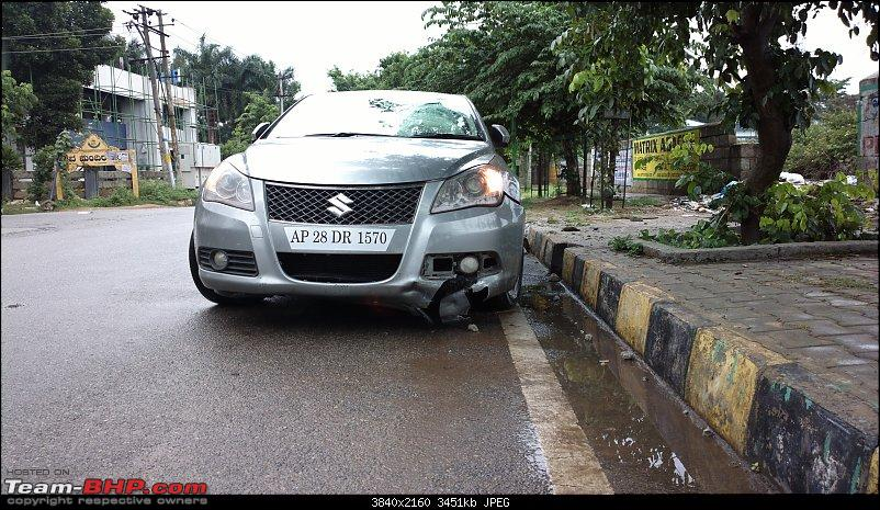 Toyota Innova Crysta ZX rolls over thrice! None of the 7 airbags deploy-201407220121.jpg