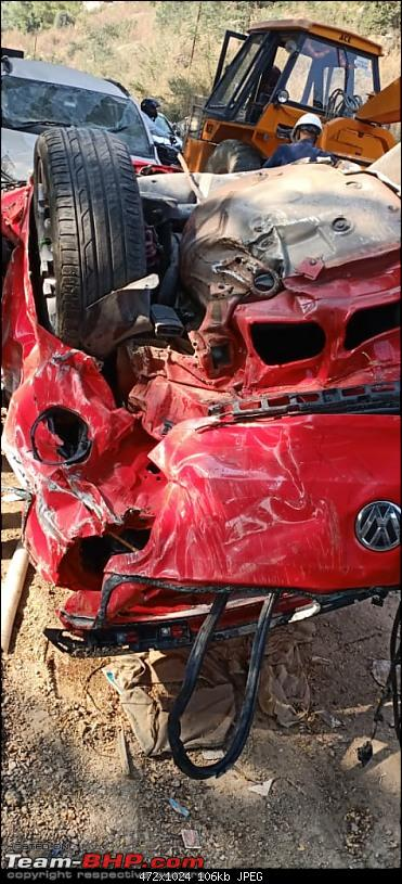 Massive Polo GTI accident in Hyderabad - Falls off a flyover!-3.jpg