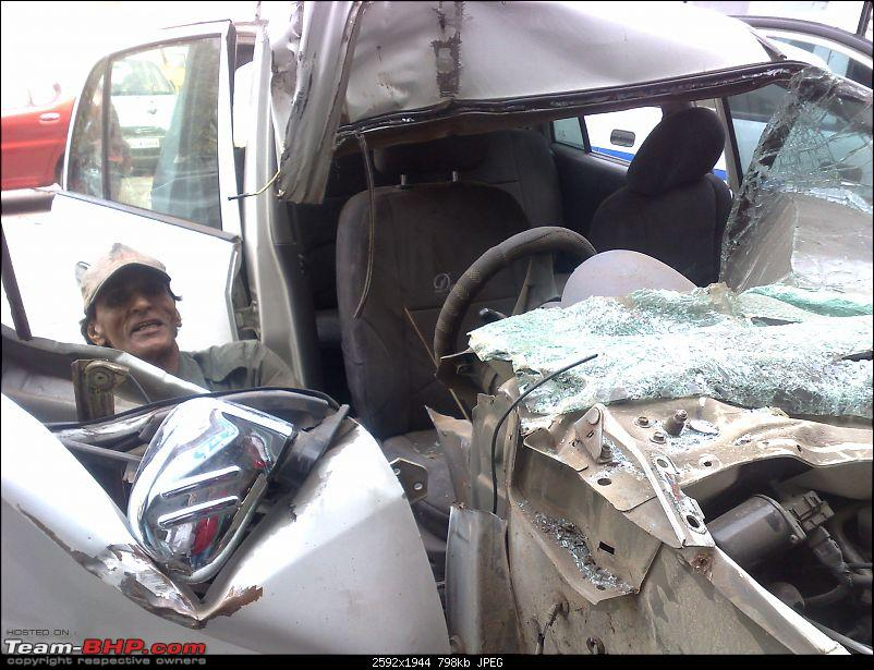 Pics: Accidents in India-281120092208.jpg