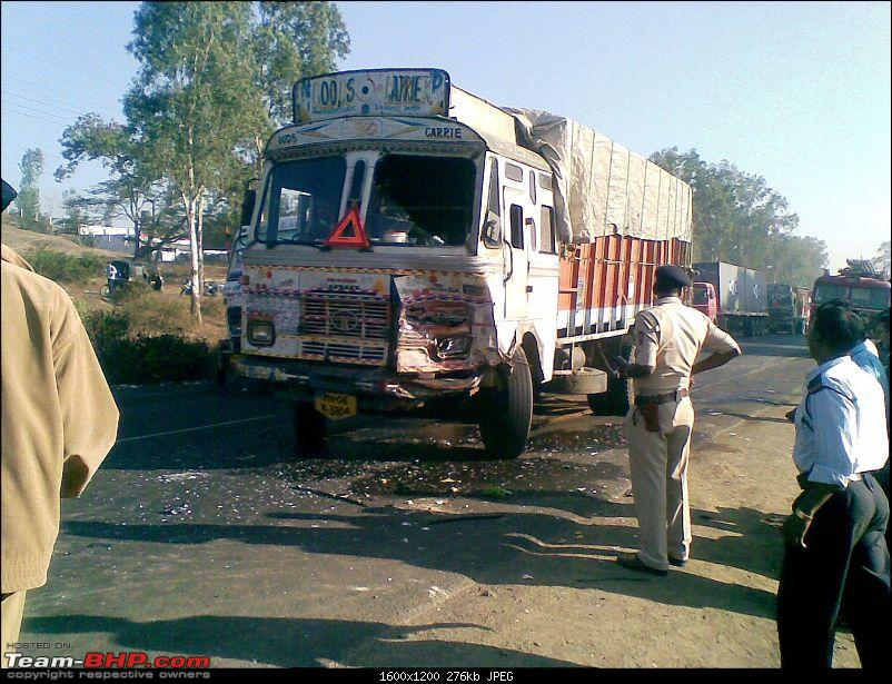 Pics: Accidents in India-25022010002.jpg