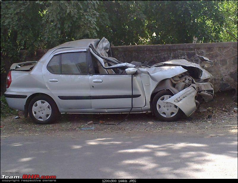 Pics: Accidents in India-25042010246.jpg
