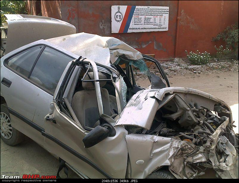 Pics: Accidents in India-10042010045.jpg