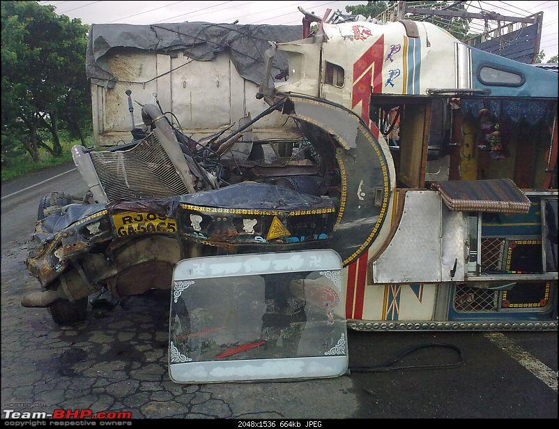 Pics: Accidents in India-trailer.jpg