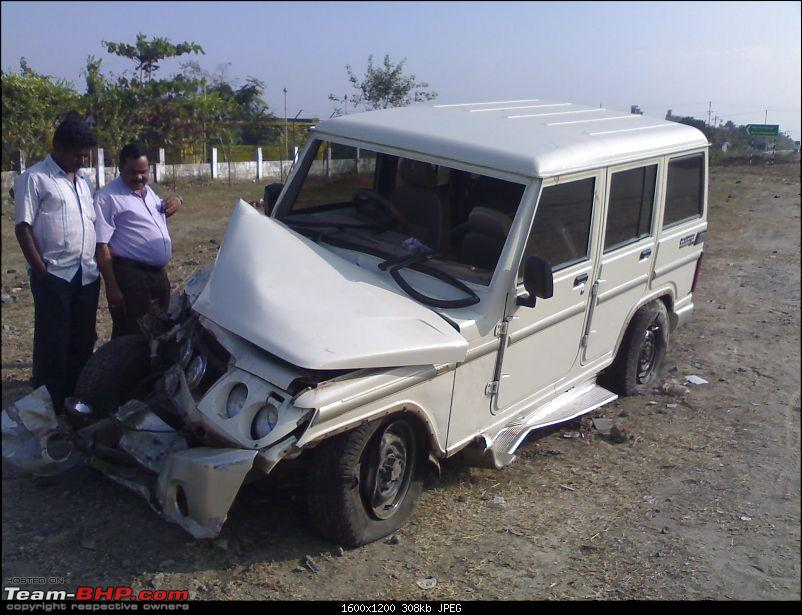 Pics: Accidents in India-27012011268.jpg