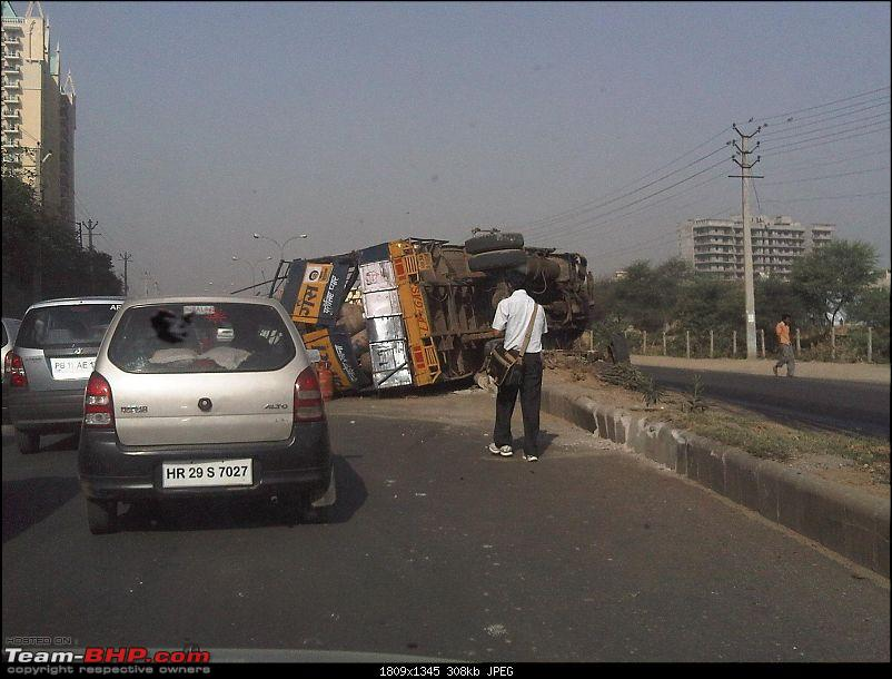 Pics: Accidents in India-img00286201003290901.jpg