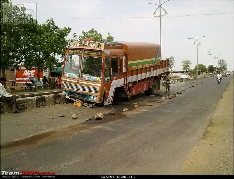 Pics: Accidents in India-19052011003.jpg