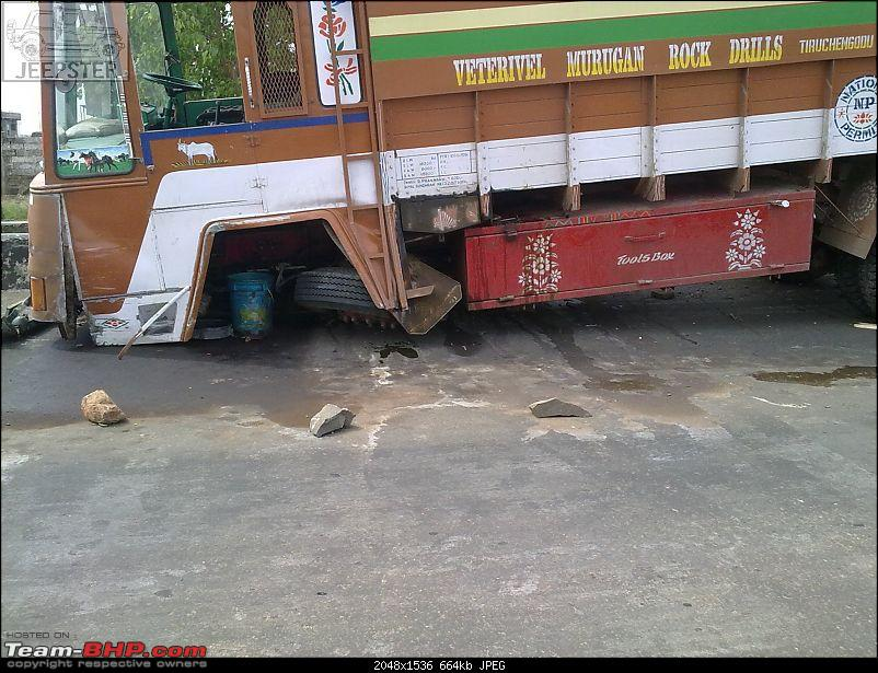 Pics: Accidents in India-19052011004.jpg