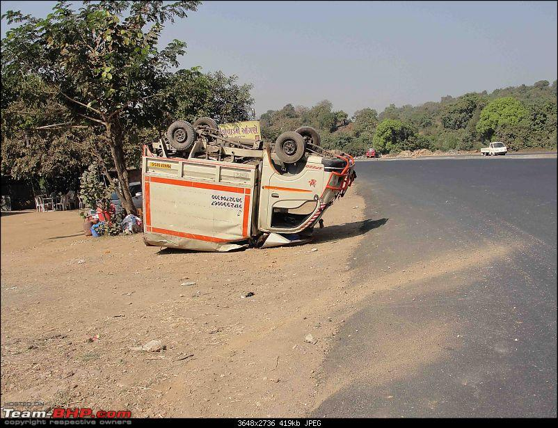 Pics: Accidents in India-08102008033.jpg