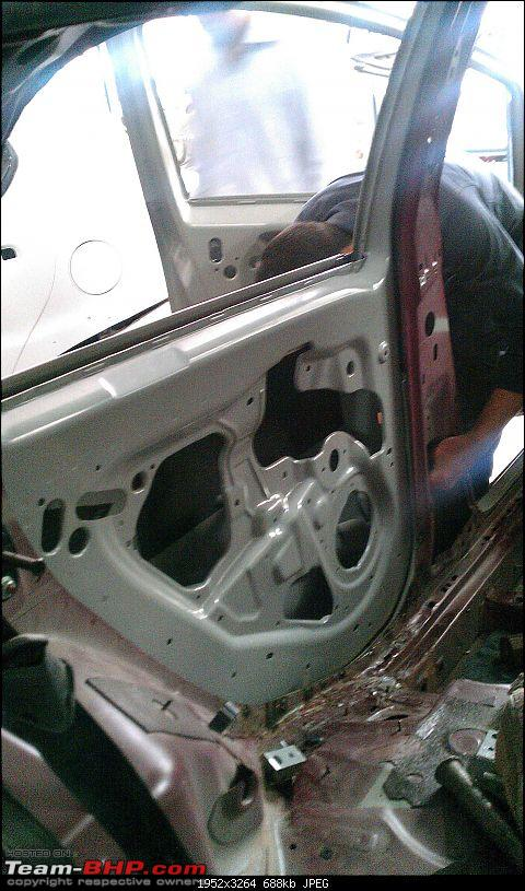 Fiat Punto Accident: B-pillar damage-1_imag0132.jpg